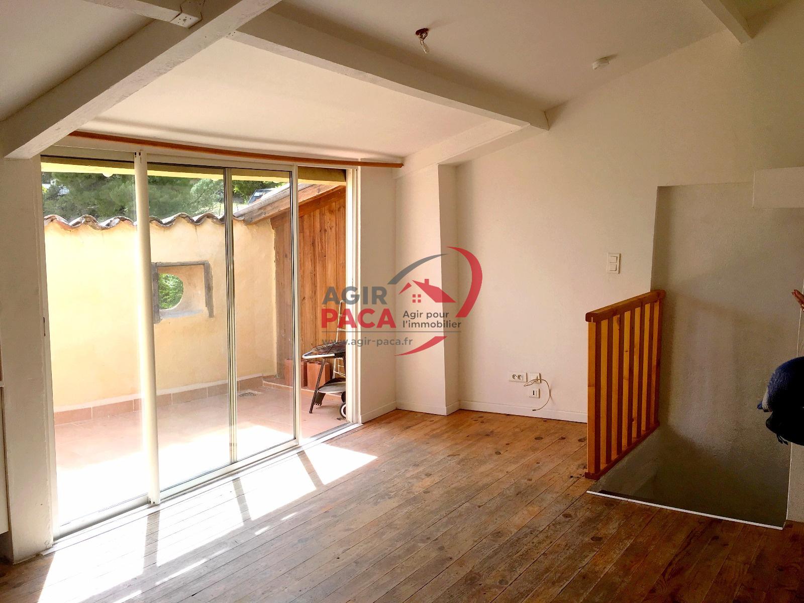 location appartement t3 de charme terrasse petit budget. Black Bedroom Furniture Sets. Home Design Ideas